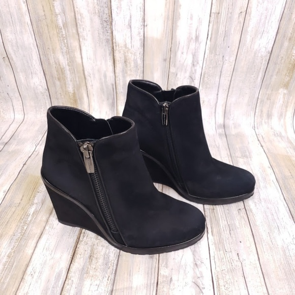Vince Camuto Shoes - Vince Camuto Jeffers Side Zip Wedge Booties Size 8